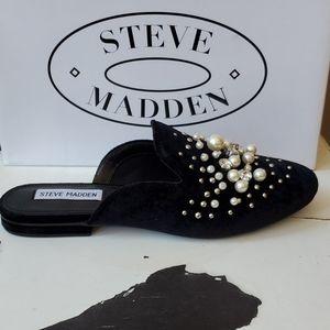 Steve Madden Shoes - Steve Madden Velvet and Pearl's Mules